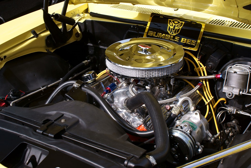 Chevrolet Camaro 350 V8 Engine